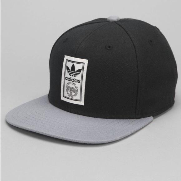 1a61bed27f5e7 New - Rare Adidas Originals Iconic Strap-Back Hat